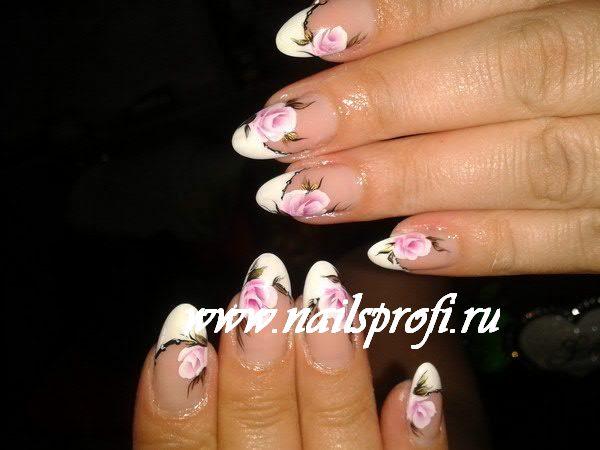 Роспись акриловых ногтей