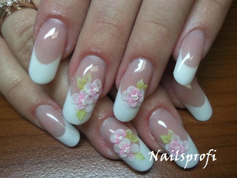 Свадебные ногти невесты