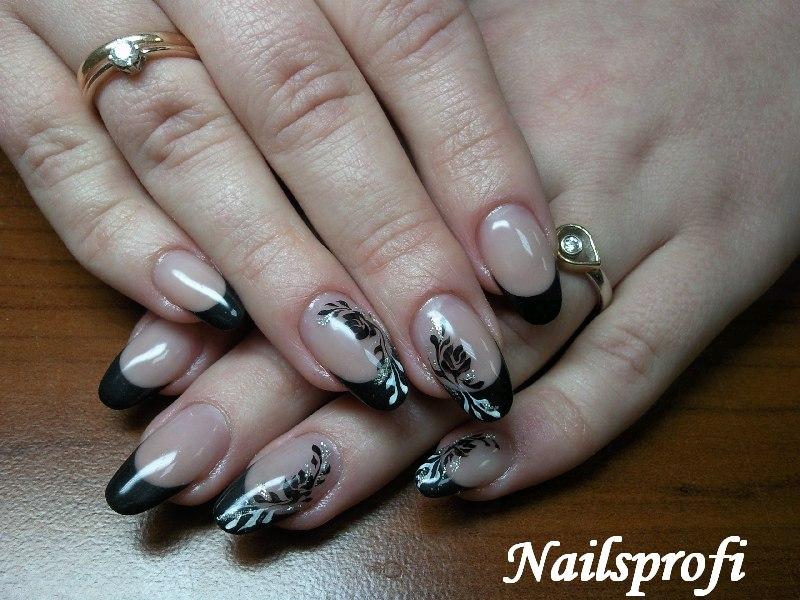 Простой рисунок на ногтях