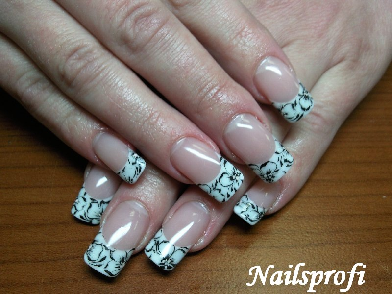Прорисовка на ногтях