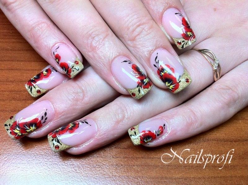Изображения цветков на ногтях