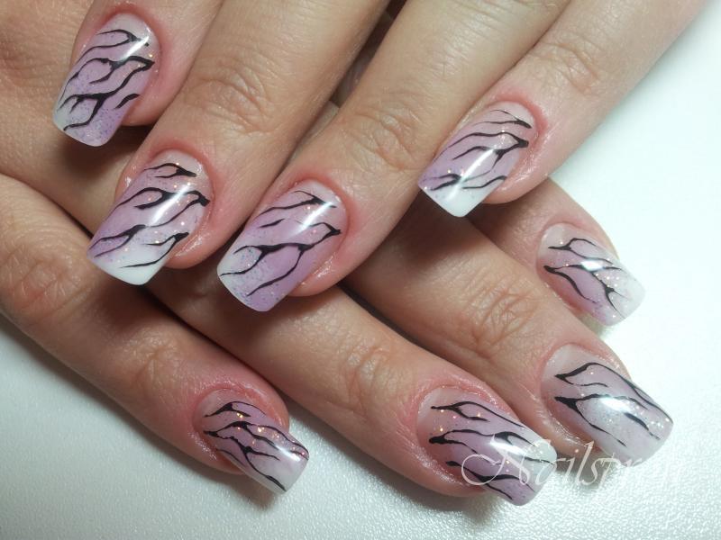 Гель + узор на ногтях