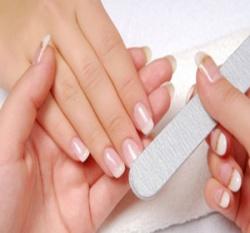 Снятие наращенных ногтей