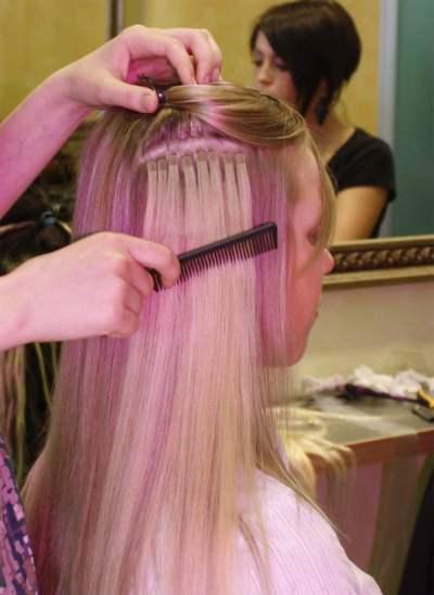Наращивание волос на микролентах