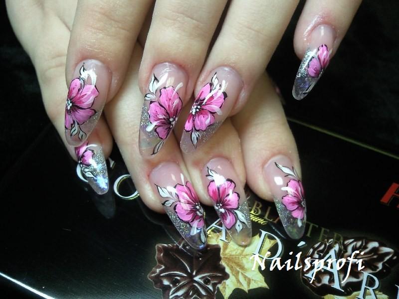 Художественная роспись на ногтях