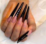 Ногти по форме стилет 5